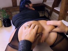 German milf secretary eats boss cum