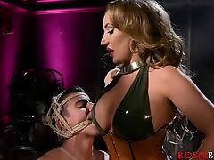 Hot Dominatrix Richelle Ryan