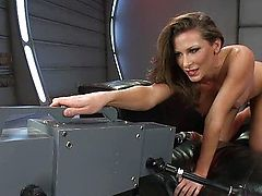 Sexy fast fucking machines makes her squirt