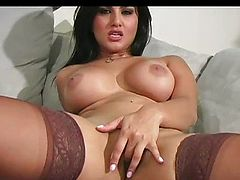 Classy Sunny Leone craves erection