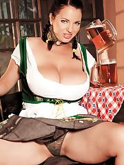 Scoreland2 - Beer and boobs - Joana (14:54 Min.)