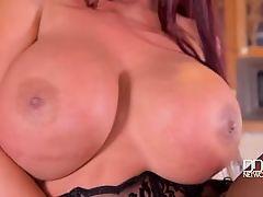 Curvy Kitchen Masturbation - Sultry Brit Sucks Massive Tits